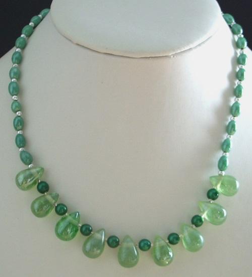 Collier vert Au Royaume de la Perle